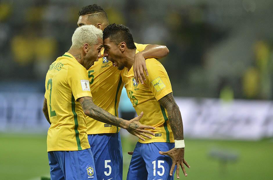 Paulinho comemora seu gol durante o jogo da Selecao Brasileira contra o Chile pela 18ª rodada das eliminatorias sul-americanas para a Copa da Russia de 2018 no Allianz Parque Arena em Sao Paulo. Mauro Horita / MoWA Press
